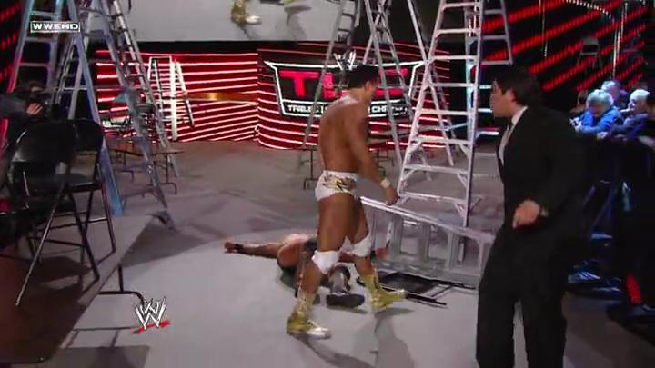 WWE TLC PPV 2011 Bzingaz