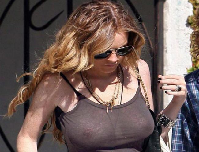 Lindsay lohan tits.